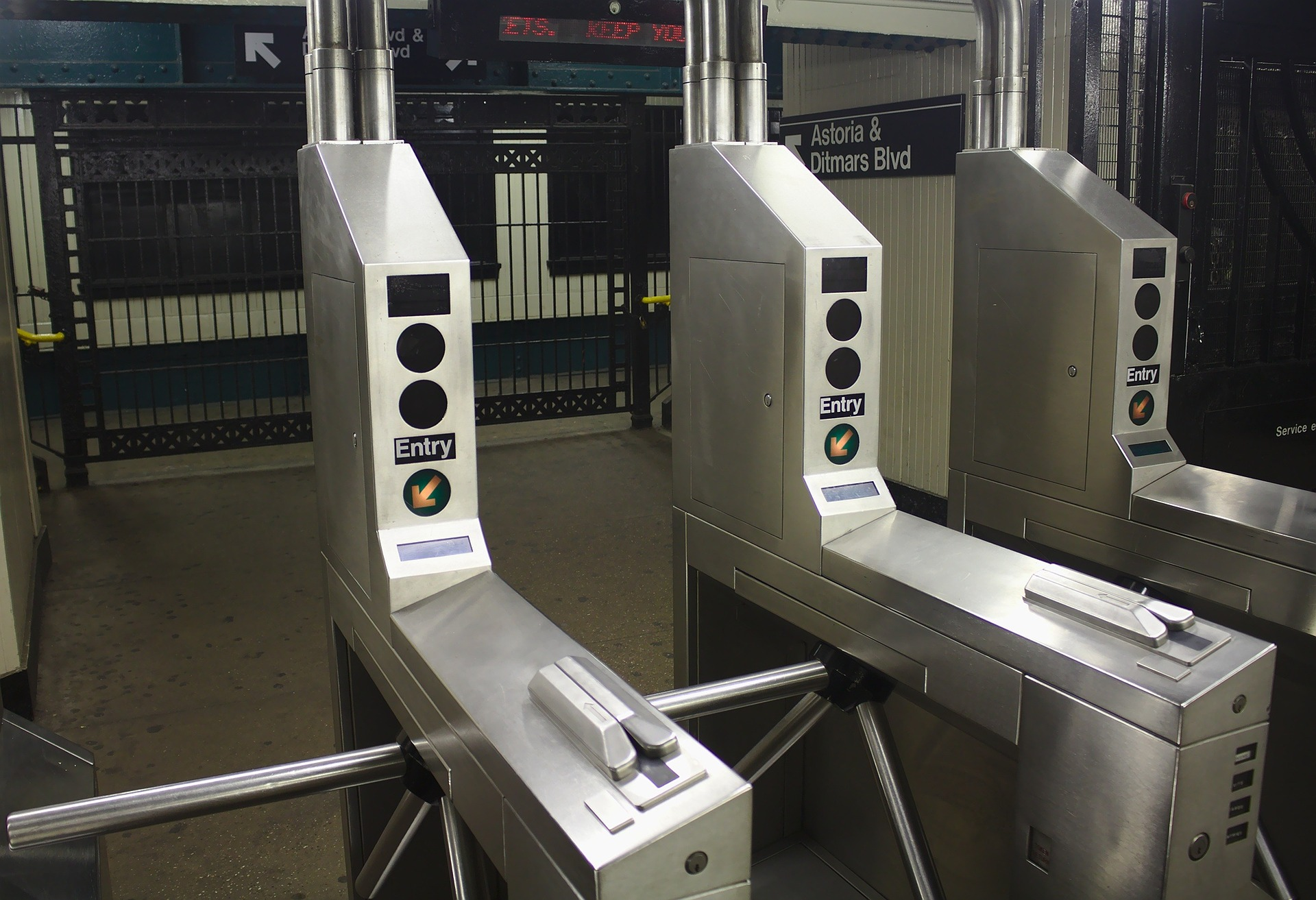 Review of turnstiles on the SecuteckRu website and in the Security & Safety Magazine – book your opportunity!